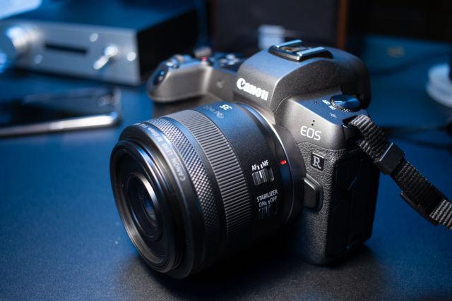 レンズを買いました。 CANON RF35mm F1.8 MACRO IS STM
